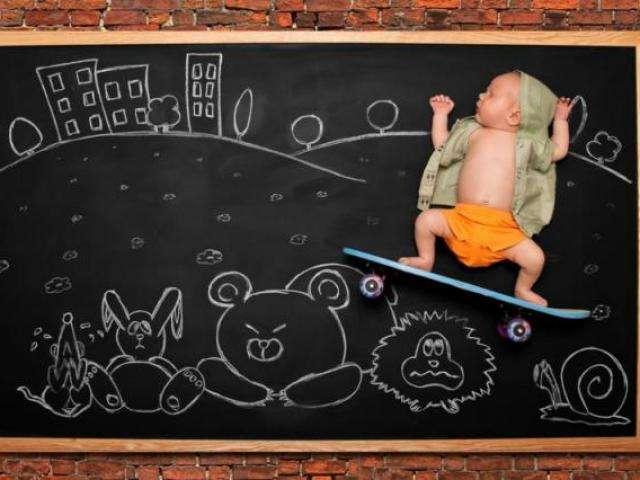 Quadro negro e giz levam bebês para qualquer lugar, em galeria original