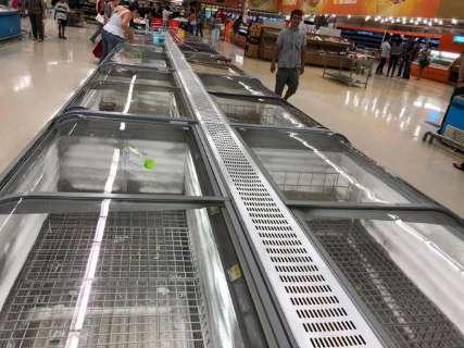 Grupo prorroga funcionamento de lojas em prédio do Walmart até dezembro