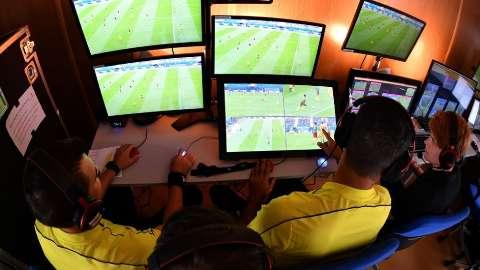Na Copa, ex-juiz Getúlio Barbosa vai ficar de olho no árbitro de vídeo