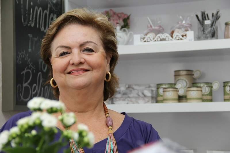 Dudi é o apelido de infância de Maria José Almeida. A avó dona das delícias. (Foto: Marcos Ermínio)