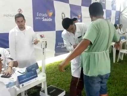 Ação voltada a caminhoneiros oferece de vacinas até massagem