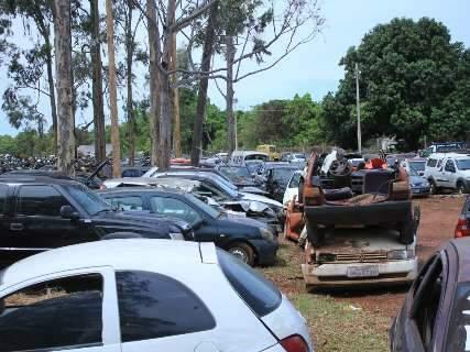 Prazo menor para leilão não altera cemitério de 14 mil veículos do Detran