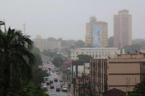 Dia amanhece com neblina, há previsão de chuvas e máxima de 29ºC em MS
