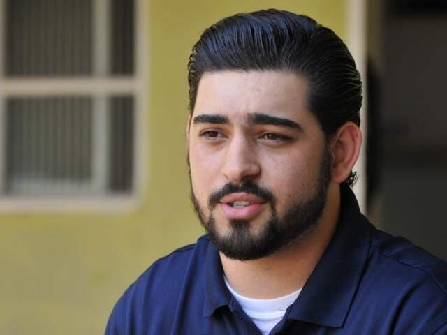 O engenheiro mecânico Douglas Lino sofreu bullying na adolescência. (Foto: Alcides Neto)