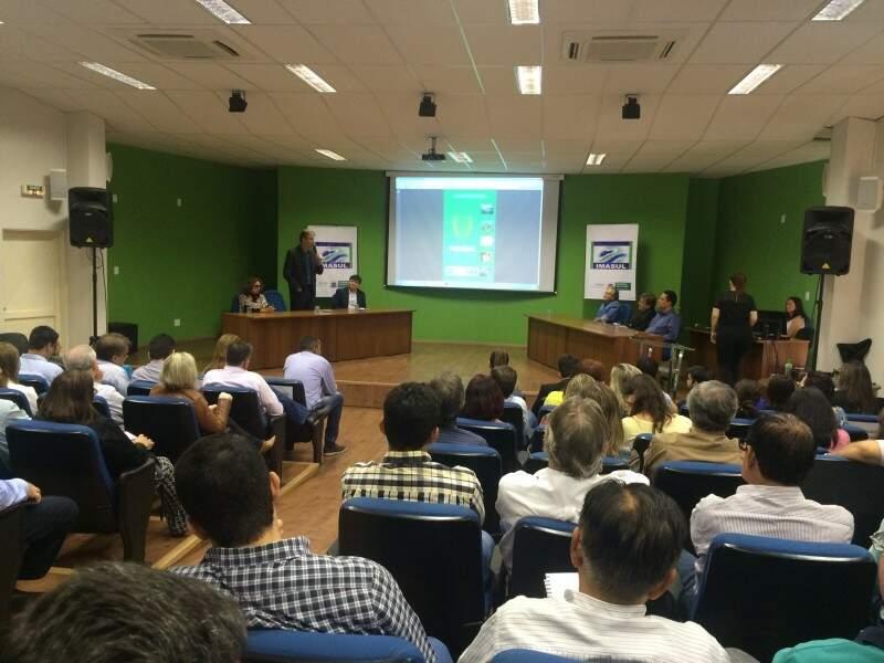 Lançamento ocorreu no auditório do Imasul e contou com a presença de representantes de vários setores ligados ao meio ambiente e produção. (Foto: Liana Feitosa)