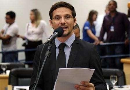 Vereador questiona concessão de licença para areeiro na bacia do Guariroba