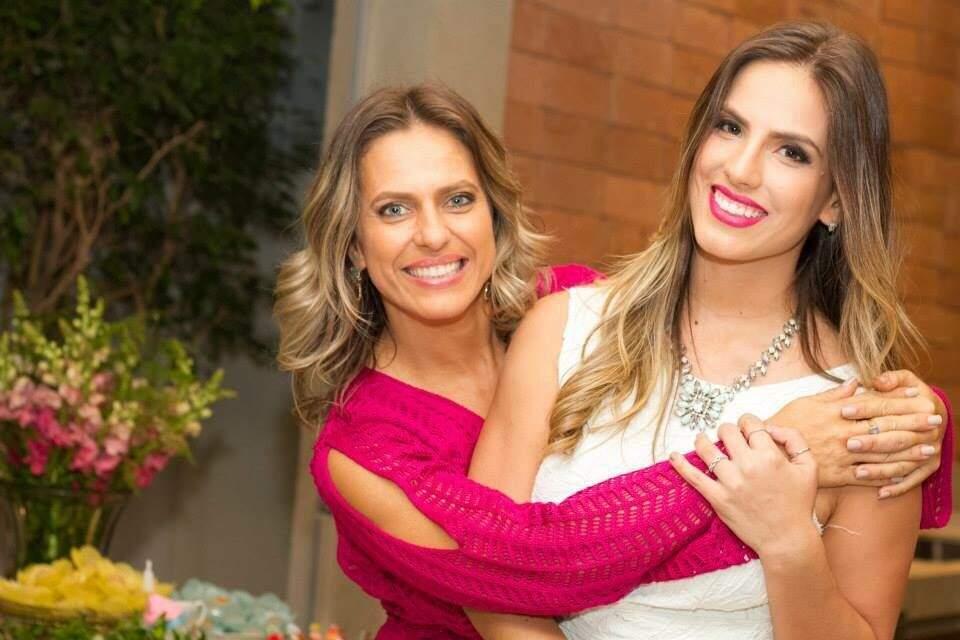 Mônica e a filha Carol Pieretti.