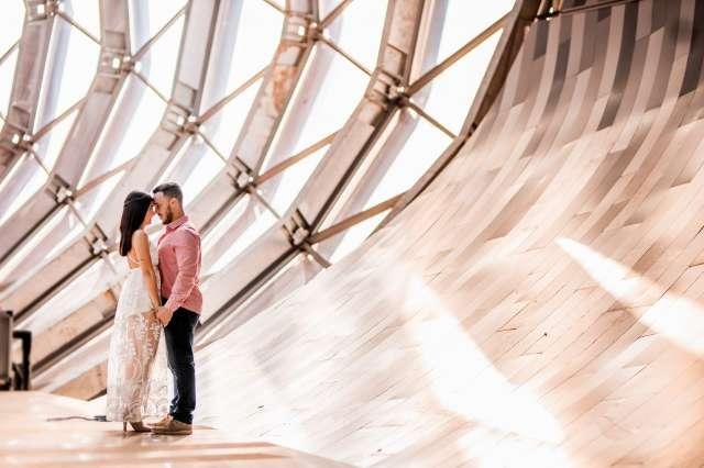 Aquário do Pantanal vira cenário de ensaio para noiva louca por arquitetura