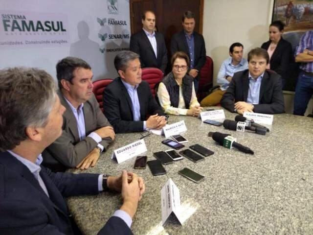 Jaime Verruck, Eduardo Riedel, Maurício Saito, Tereza Cristina e Cláudio Mendonça, durante a coletiva (Foto: Leonardo Rocha)