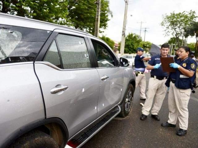 Caminhonete em que estava funcionário de Pavão, alvo de atentado em Assunção, em outubro (Foto: ABC Color)