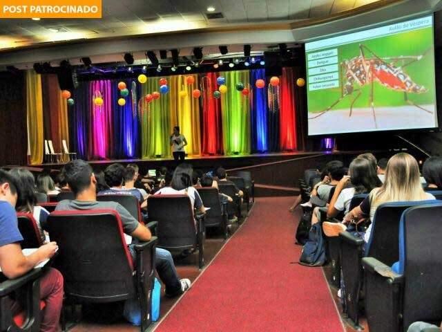 """""""Maratona Enem"""" tem aulões que ocorrem no teatro do próprio Colégio. (Foto: Divulgação)"""
