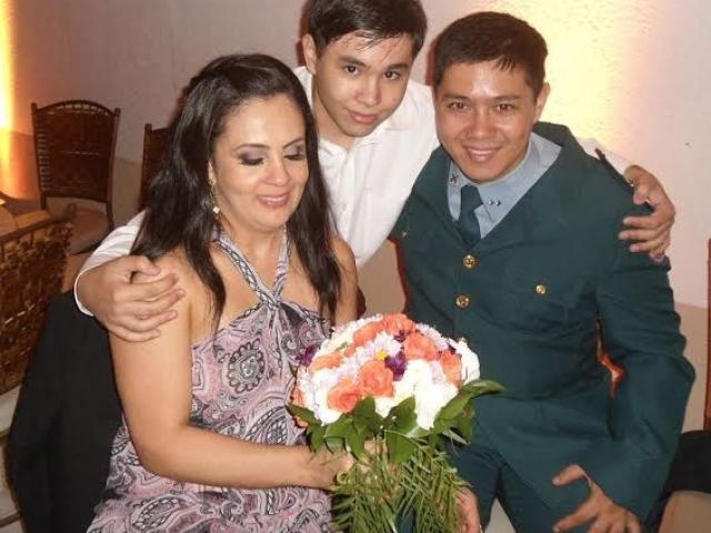 Ana, Yuri e o filho dos dois. 18 anos de amor. (Foto: Arquivo Pessoal)