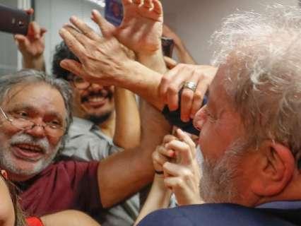 Defesa de Lula vai ao STJ para tentar manter ex-presidente livre
