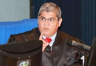 Tribunal de Contas vê irregularidade na compra de gasolina por Bernal