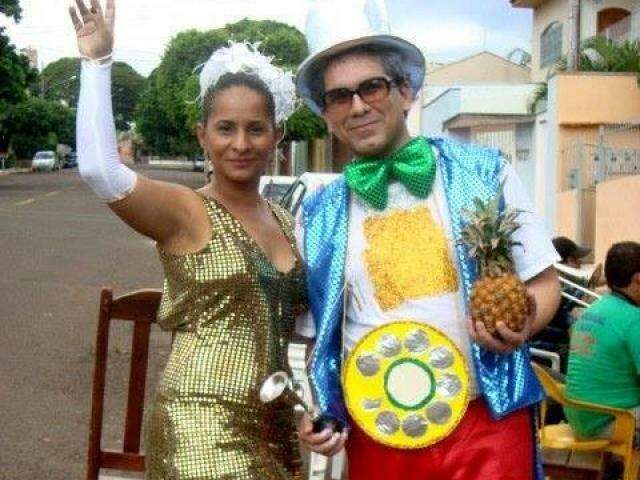 Silvana e Jefferson começaram a namorar no Carnaval e hoje estão casados (Foto: arquivo pessoal Silvana Valu)
