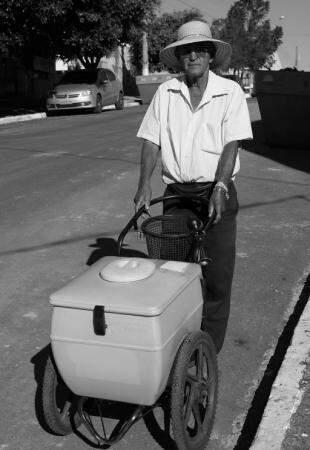 Bom humor de Moacyr é conhecido na cidade. (Foto: Denilson Rodrigues)