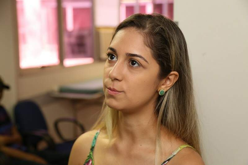 Paula se mudou para Campo Grande, para dar continuidade ao tratamento do câncer do pai. (Foto: Fernando Antunes)