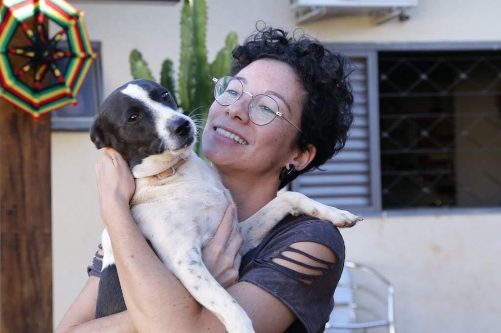 """""""O mais certeiro mesmo é criar uma relação com seu cachorro para que ele não precise fugir de você"""", conta."""