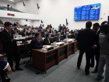 Assembleia aprova prorrogação do abono e salário será depositado sexta