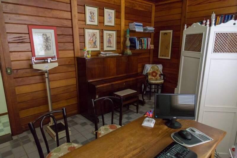 e piano que cardiologista toca até hoje. (Foto: Fernando Antunes)