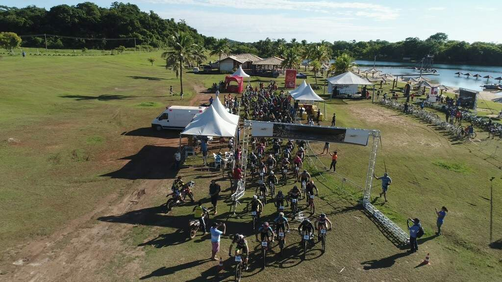 Com três categorias no masculino e feminino, a disputa do Mountain Bike movimentou o último dia do Bonito Cross neste domingo (Foto: Gabriel Marchese/Assessoria)