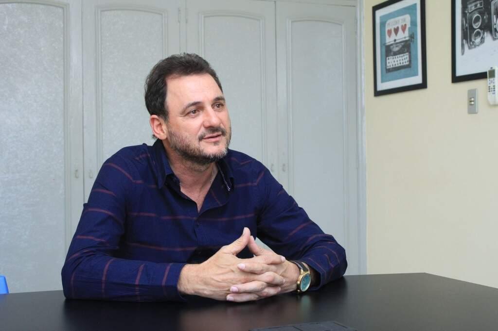 Prefeito de Costa Rica, Waldeli dos Santos Rosa, anunciou a contratação de advogado para recorrer contra o Estado (Foto: Marina Pacheco )
