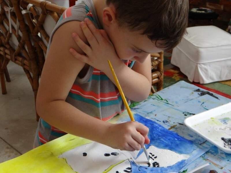 O que pintavam e criavam como artistas era a própria lembrancinha da festa. (Foto: Divulgação/Ateliê Ana Ruas)
