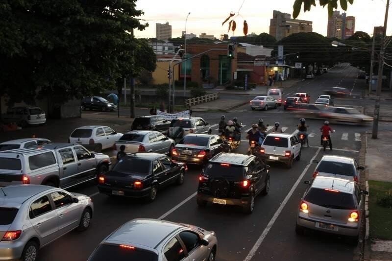 Prefeitura suspendeu contrato para inspeção em veículos desde janeiro. (Foto: Cleber Gellio)