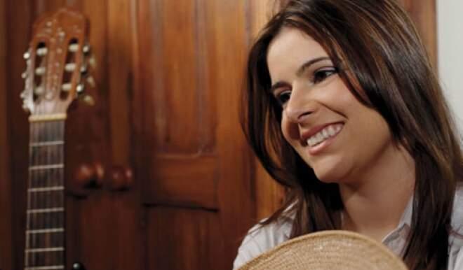 Comunidade gaúcha recebe Shana Muller, rainha pop dos pampas