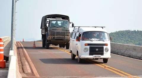Seguradora vai pagar reparo na ponte do Rio Paraguai atingida por barco