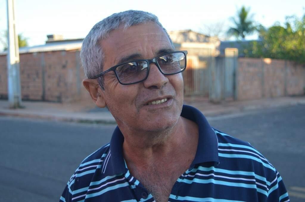 Sinzerlândio, de 62 anos, atual presidente de bairro. (Foto: Silas Souza)