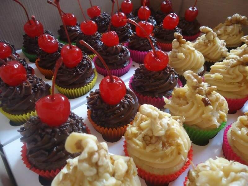 Os cupcakes são os mais pedidos. (Foto: reprodução facebook)