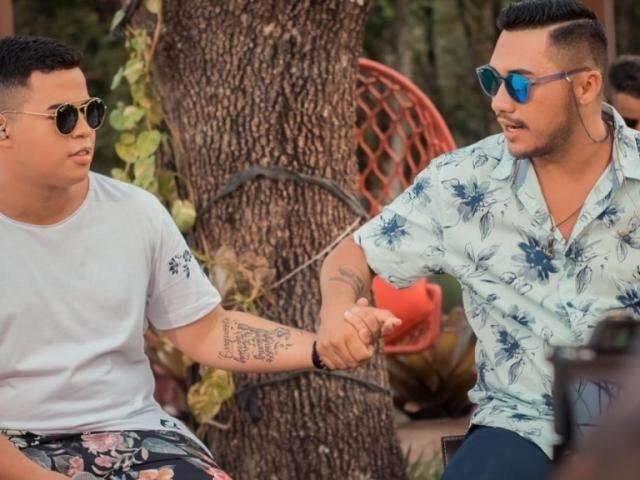 Rafa e Júnior estreiam no YouTube com canção batendo 1 milhão de acessos