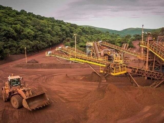 Exploração de minério no maciço do urucum, em Corumbá (Leandro Grandi/Revista Mineração Sustentabilidade)