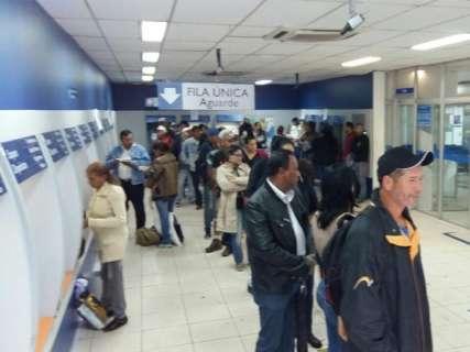 Agências da Caixa abrem às 9h para saque do FGTS das contas inativas