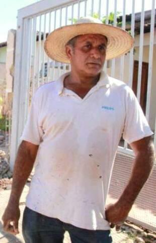 Gilberto já voltou ao trabalho na construção civil, graças ao tratamento. (Foto: Marcos Ermínio)