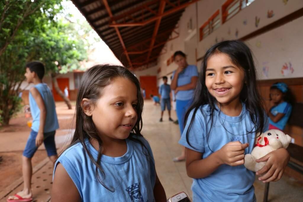 As amiguinhas, Luciana Bruna Cândido e Lara Gomes falaram que querem provar as PANC's (Foto: Paulo Francis)