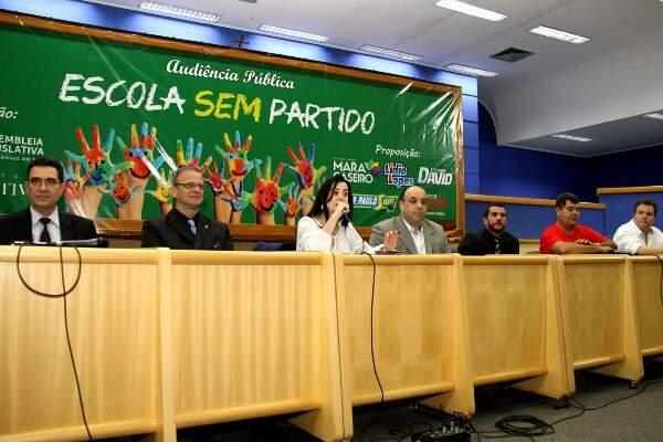 Audiência ocorreu ontem na Câmara Municipal, mas foi cancelada antes dos debates (Foto: Wagner Guimarães)