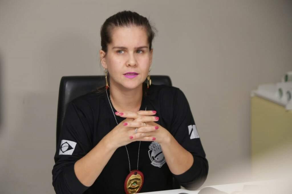Delegada comenta resultado da operação que prendeu 7 pessoas em MS (Foto: Fernando Antunes)