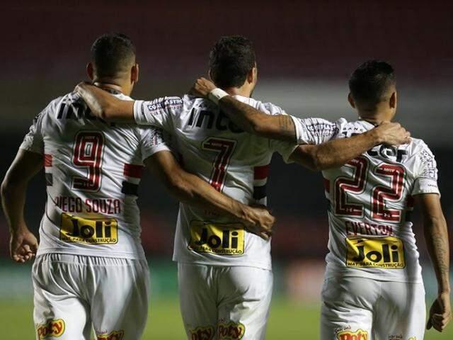 São Paulo abre a rodada contra o Atlético-PR em busca das primeiras posições da tabela. (Foto:  Paulo Pinto/saopaulofc.net)