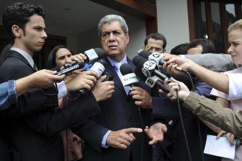 Dilma acerta com André mais 50 ônibus para MS e obras no PAC