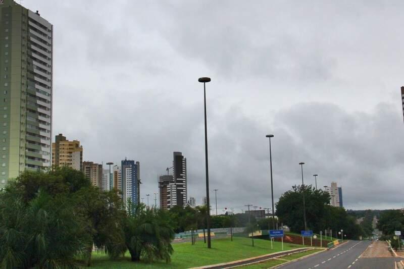 Tempo amanhece nublado na Capital e temperatura máxima prevista é de 29º. (Foto: Alan Nantes)