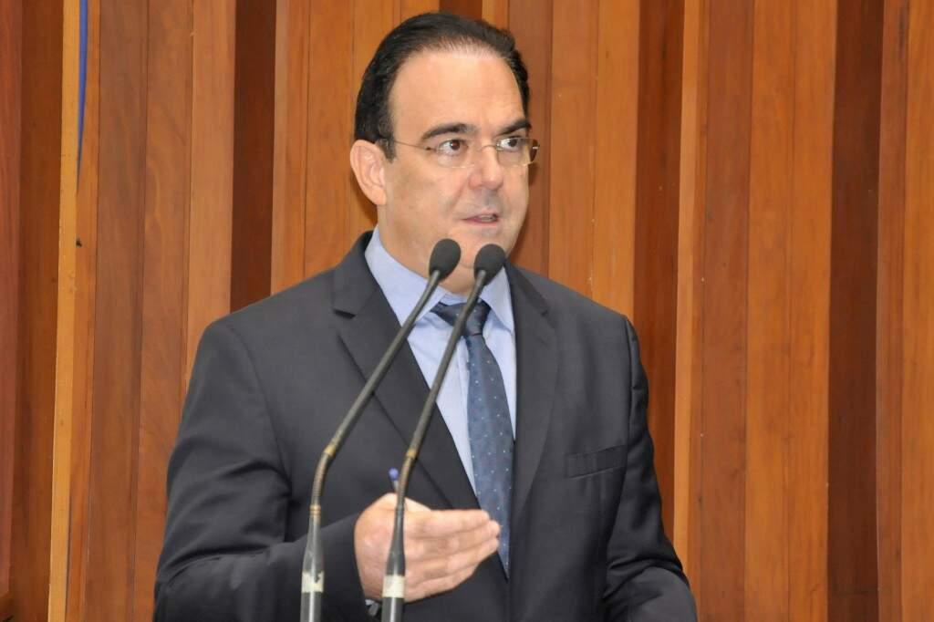 Deputado Felipe Orro (PSDB) apresentou projeto na Assembleia (Foto: Luciana Nassar/ALMS)