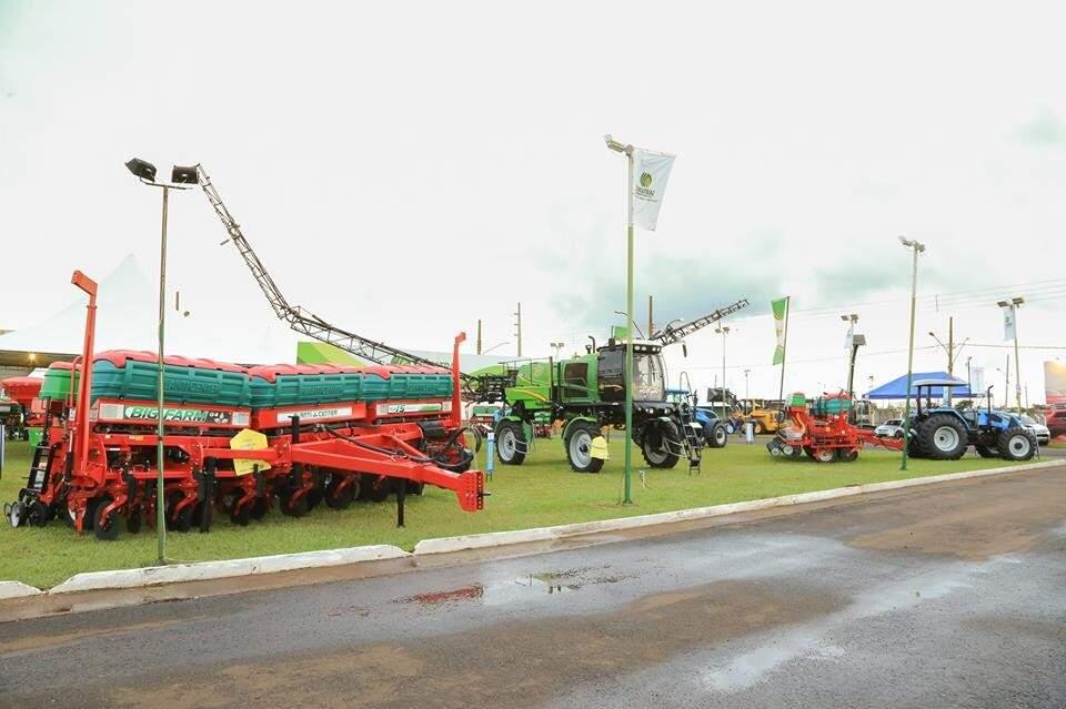 Exposição de máquinas durante a Expoagro do ano passado (Foto: Divulgação)
