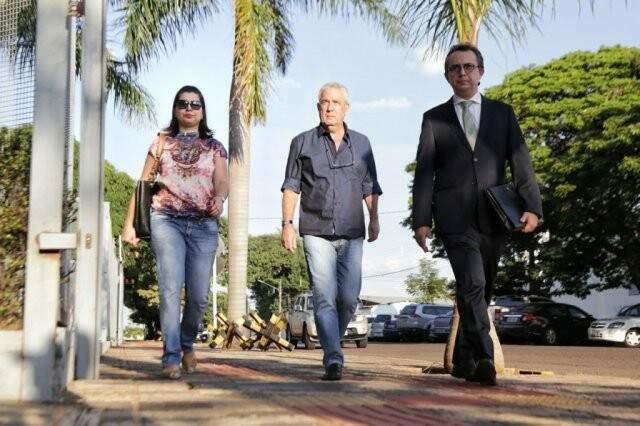 Amorim (ao centro) também se entregou após manifestação de Moraes. (Foto: Fernando Antunes)