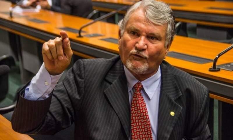 Zeca do PT quer disputar vaga para senador, mas pedido de candidatura é alvo de impugnação.
