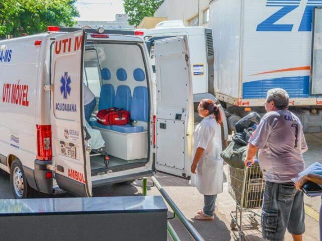 Nessa sexta-feira, depois de 355 dias morando na Santa Casa, eles se despediram do hospital pela janela da ambulância.