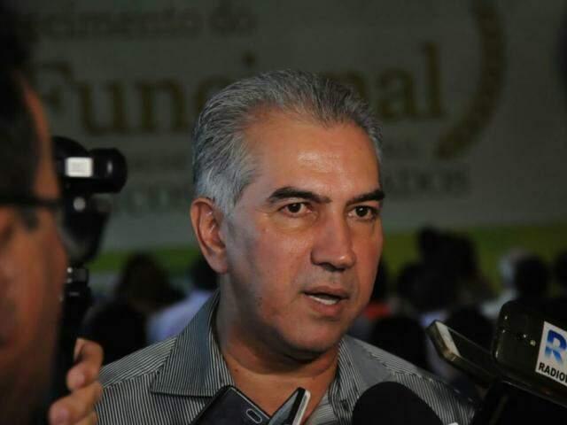Governador do Estado, Reinaldo Azambuja (PSDB), durante entrevista. (Foto: Paulo Francis/Arquivo).