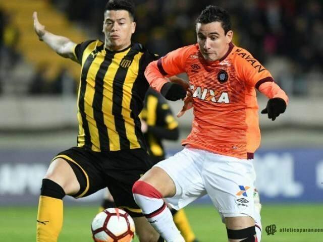O Peñarol precisava atacar o Furacão e vencer por três gols de diferença para seguir na competição. (Foto: Atlético Paranaense FC)