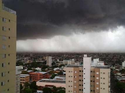 Em 24 horas, 9 mil raios caíram no Estado, 100 deles em Campo Grande